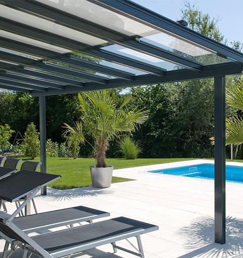 Terrassendach von Klaiber am Pool